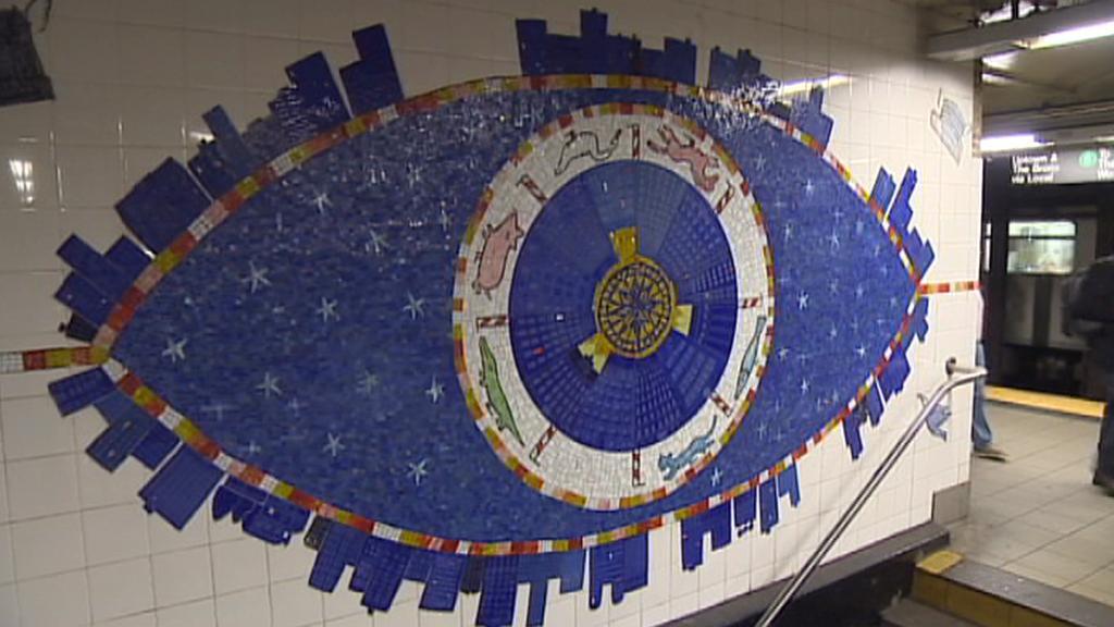 Tahle mozaika zvláštní sál nepotřebuje, protože ji každý den vidí tisíce lidí. V jedné ze stanic na Manhattanu.