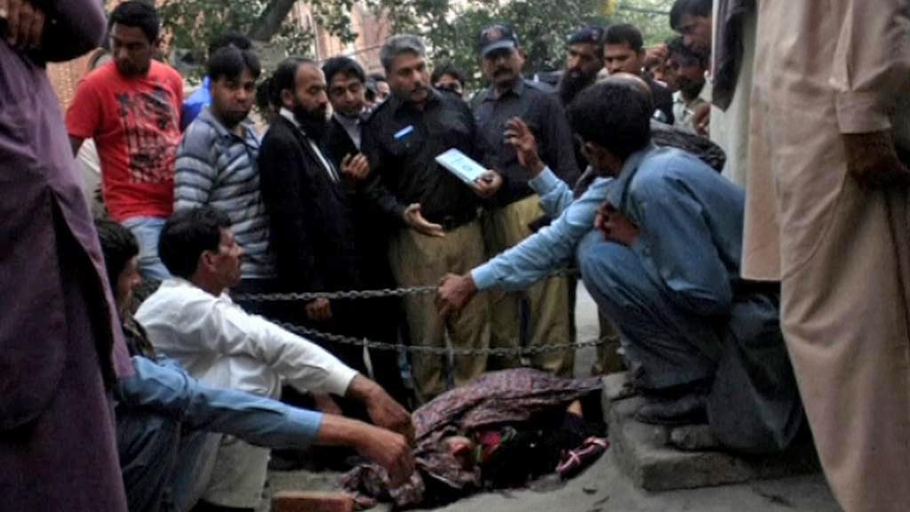 Ukamenovaná Pákistánka Farzana Ikbalová