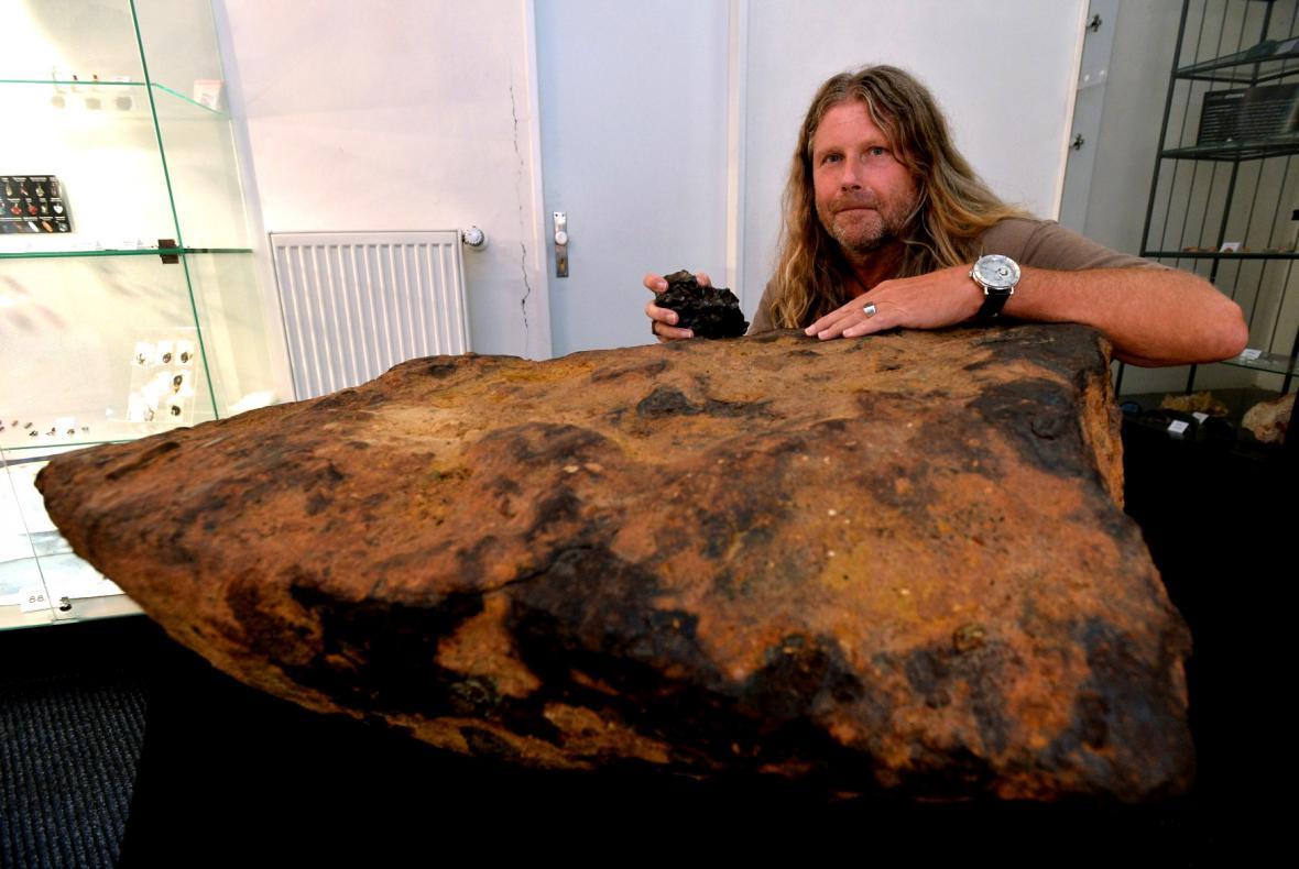 Výstava vzácných meteoritů ve Štefánikově hvězdárně v Praze
