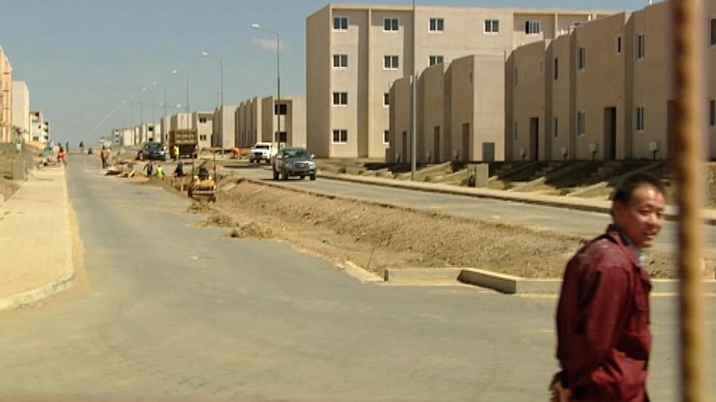 Čína v Angole podniká i ve stavebnictví