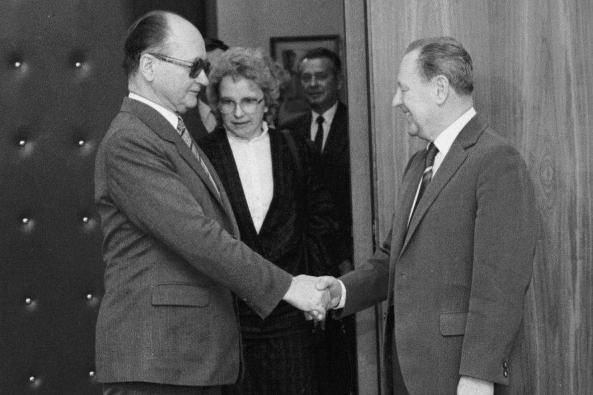 Generál Wojciech Jaruzelski a Miloš Jakeš