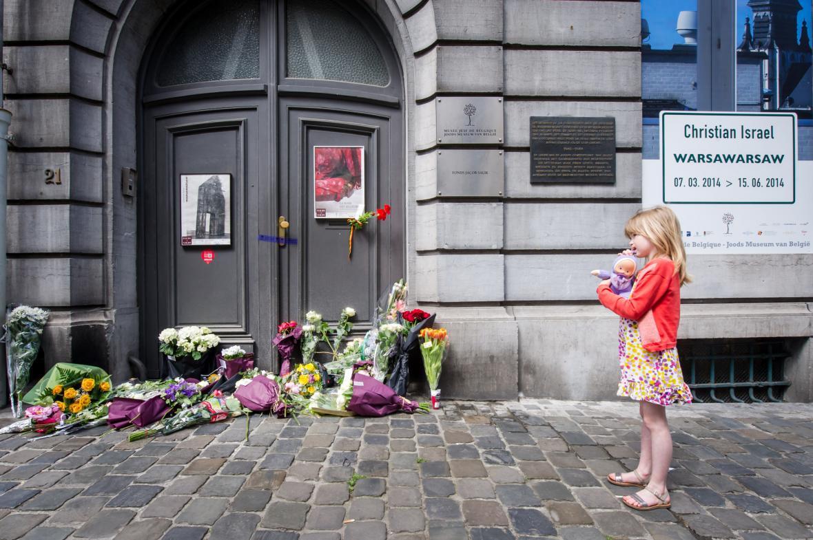 Vzpomínka na oběti sobotní střelby v židovském muzeu v Bruselu