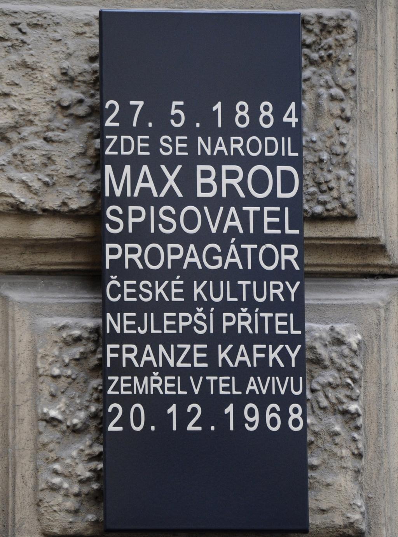 Pamětní deska Maxe Broda na jeho rodném domě