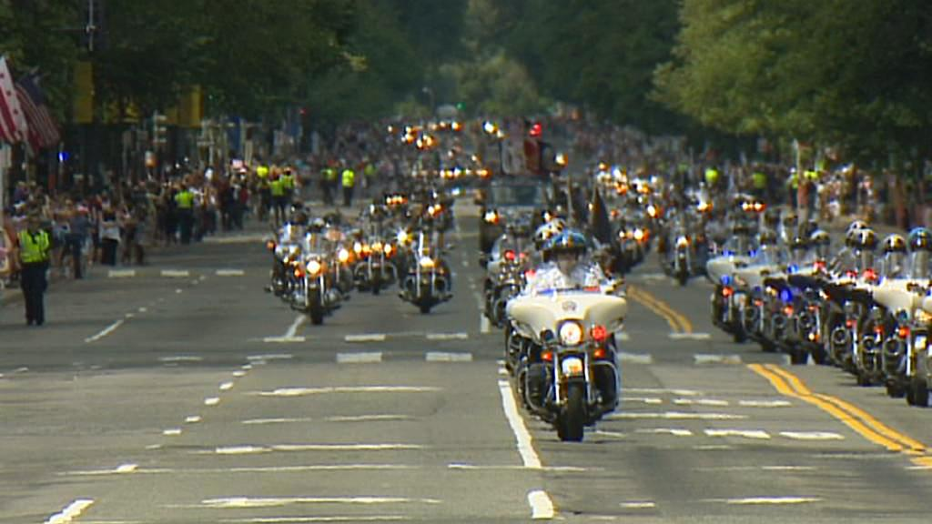Průvod motorkářů Rolling Thunder na Den obětí války