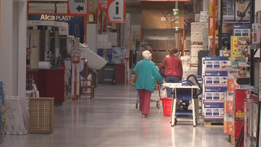 Lidé mohou v hobbymarketu nakupovat už od včerejška