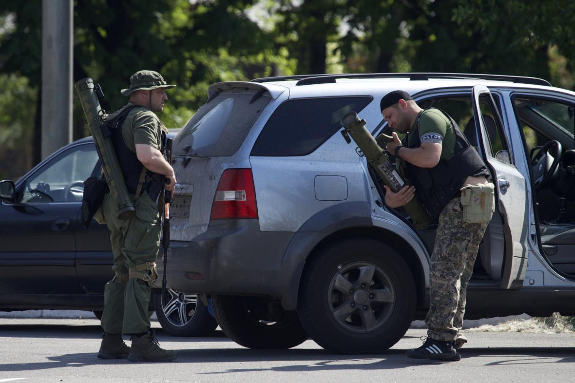 Proruští povstalci pronikli do areálu doněckého mezinárodního letiště