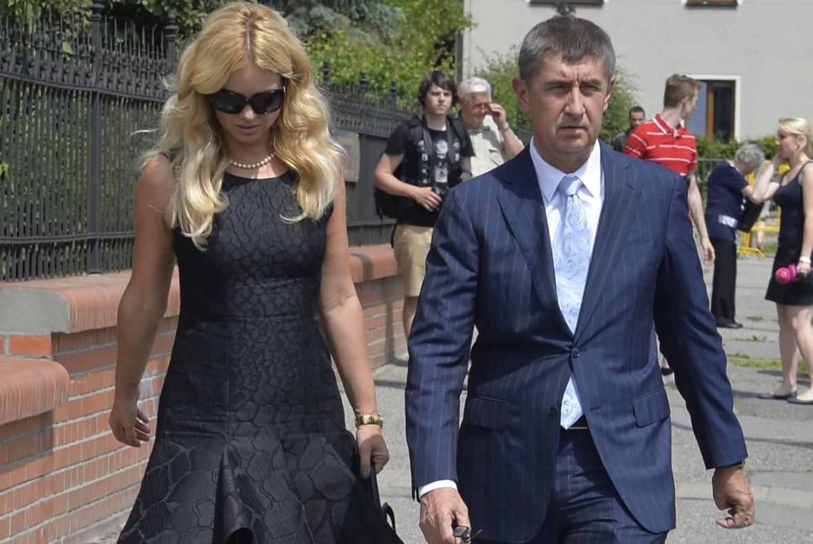 Andrej Babiš s partnerkou Monikou odevzdali svůj hlas ve volbách do EP
