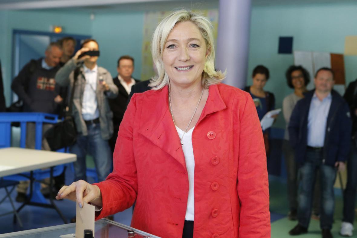 Marine Le Penová volí do europarlamentu