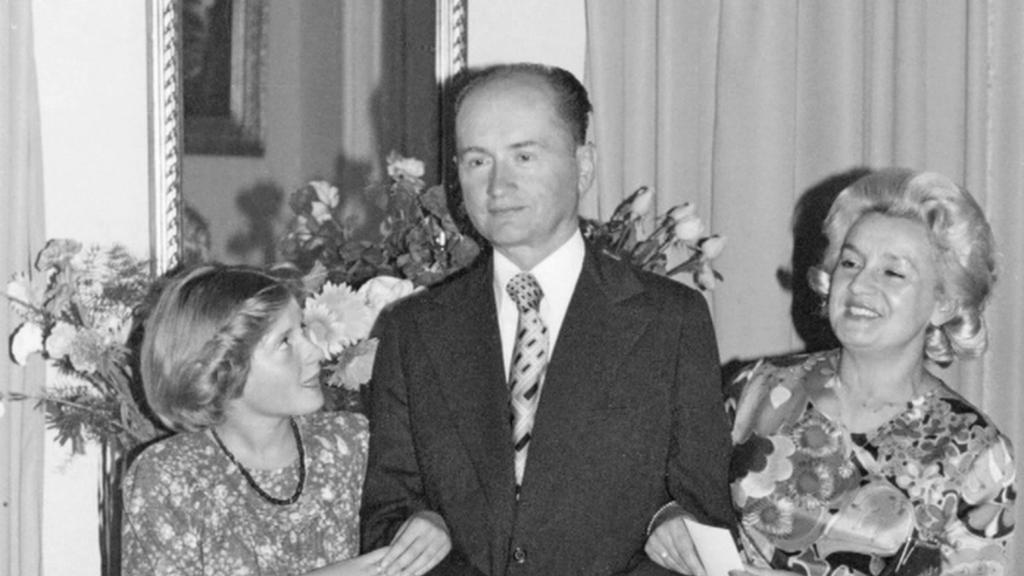 Generál Jaruzelski s dcerou a manželkou