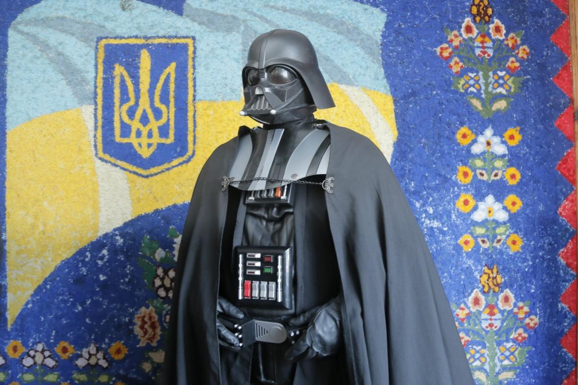 Odvolit přišel i Darth Vader