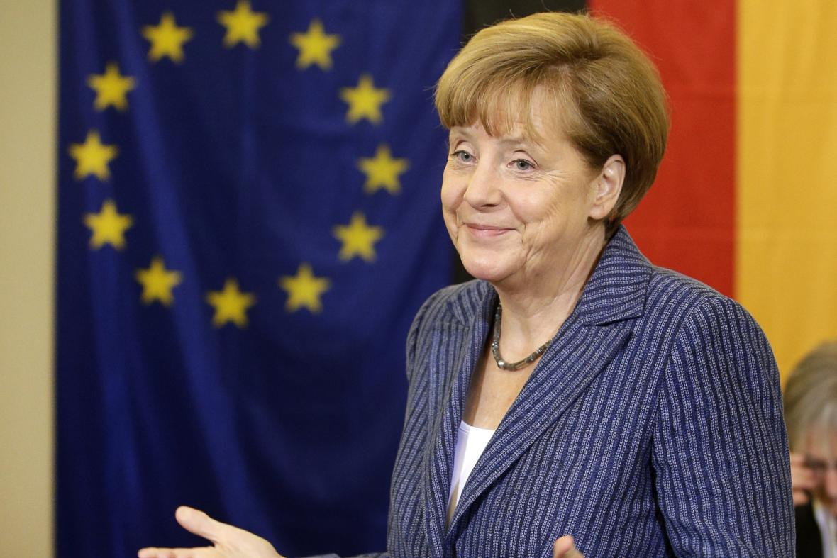 Kancléřka Angela Merkelová u eurovoleb