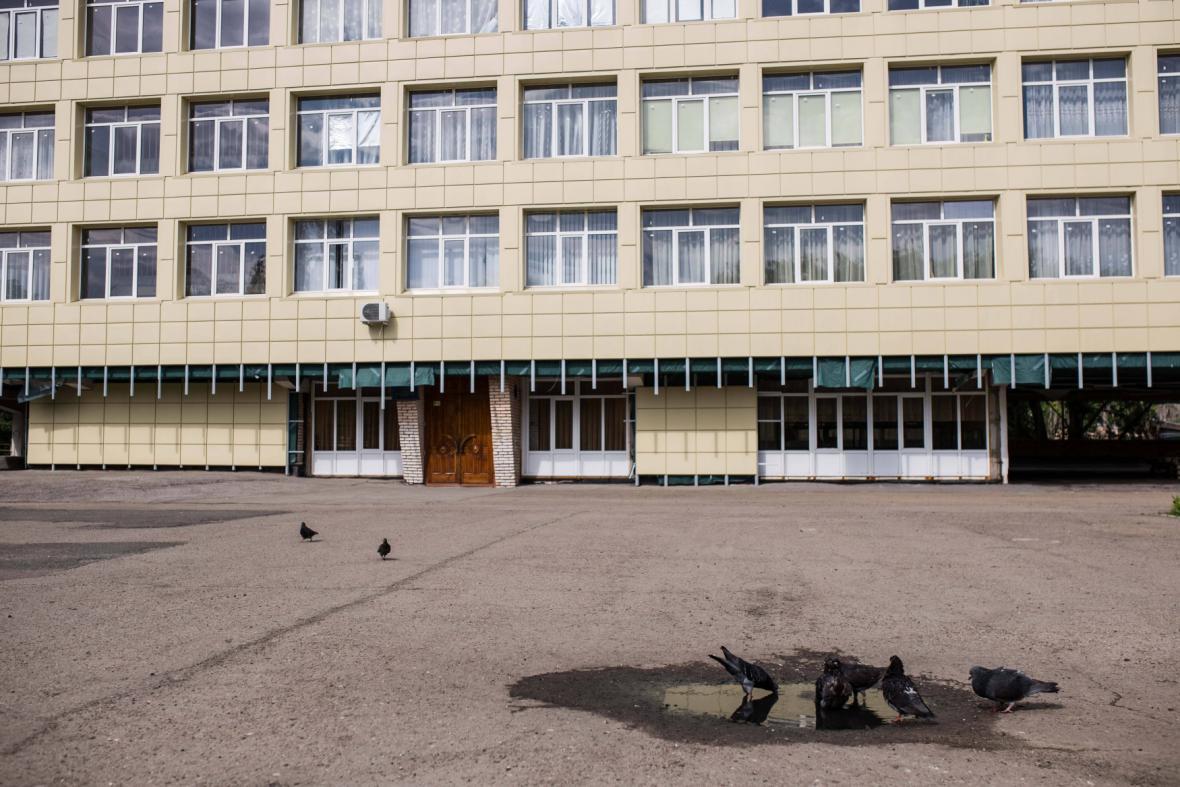 Zavřená volební místnost v Luhansku