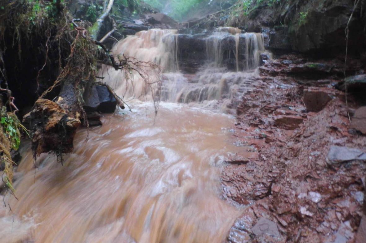 Rozvodněný potok - Libštát/Semilsko