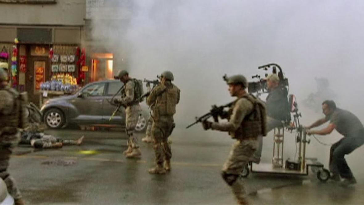 V hollywoodských trhácích hraje i americká armáda