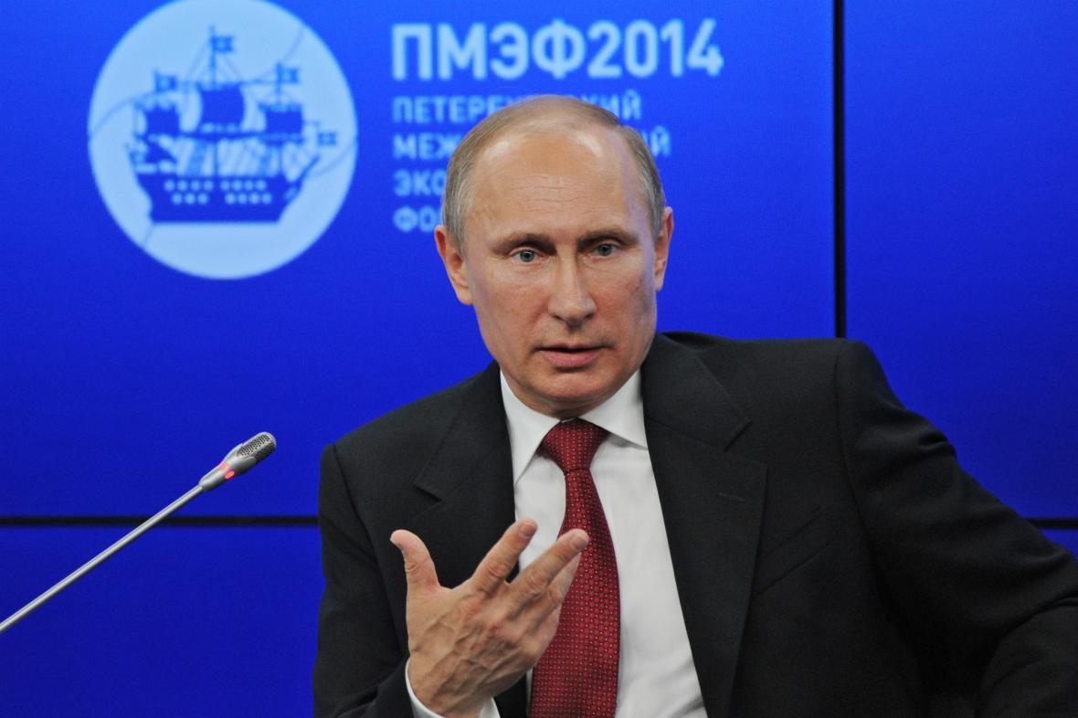 Vladimir Putin na hospodářském fóru v Petrohradu