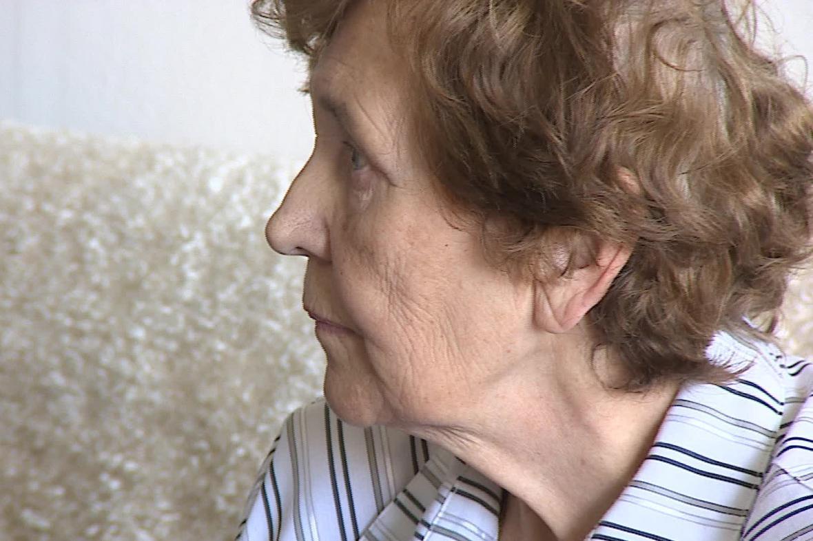Seniorka zůstala po změně dodavatele bez elektřiny