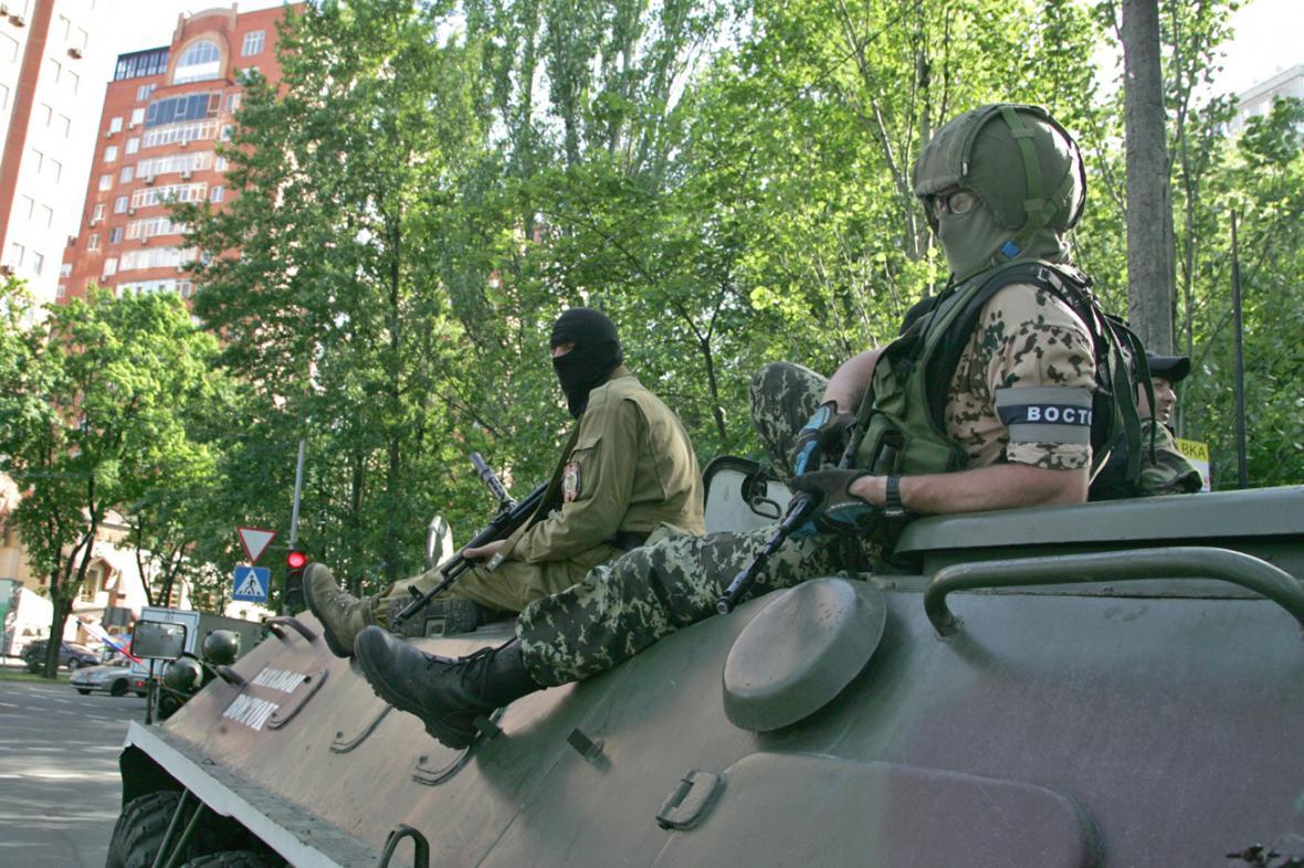 Proruští ozbrojenci v Doněcku