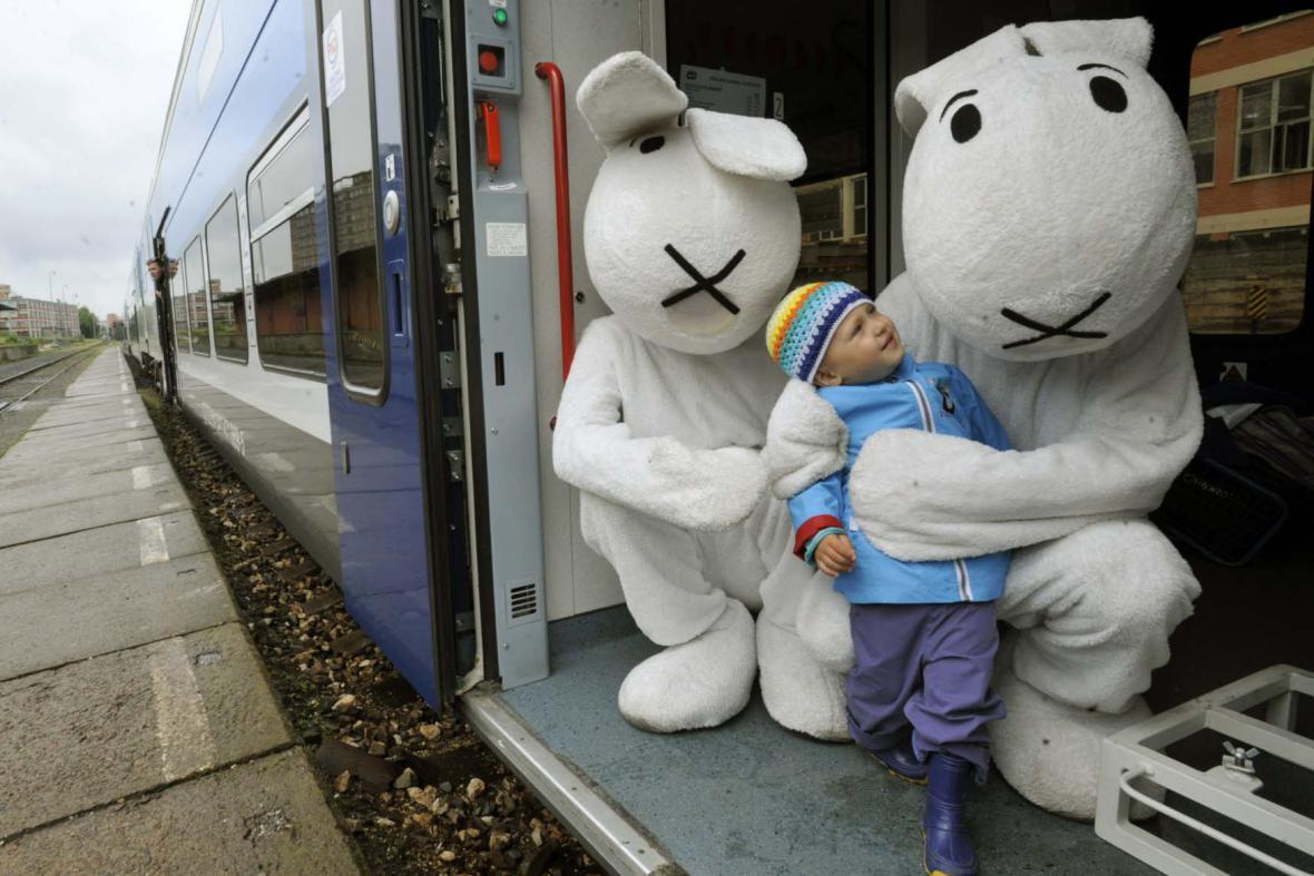 MFF Zlín:  Vlak plný úsměvů na zlínském nádraží