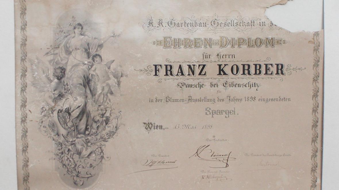 Jeden z diplomů pro místní chřest z roku 1898