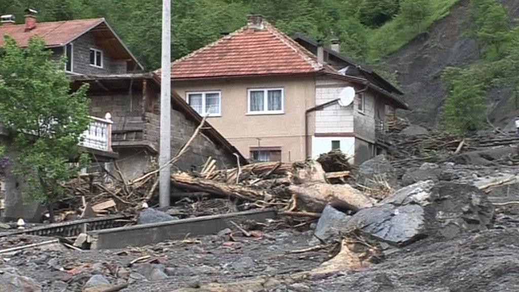 Bosna hlásí po záplavách ohromné škody