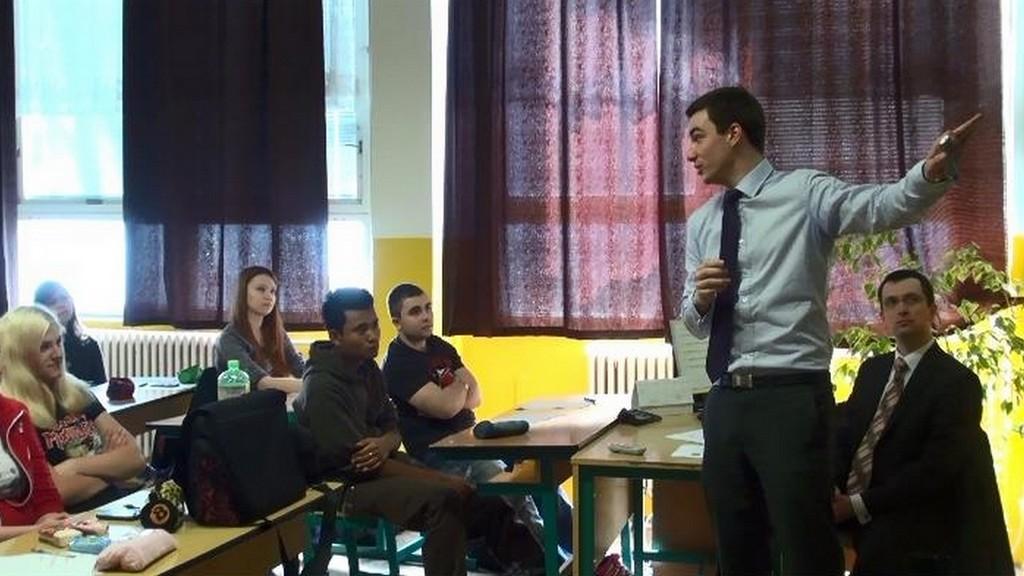 Studenti při přednášce o finanční gramotnosti