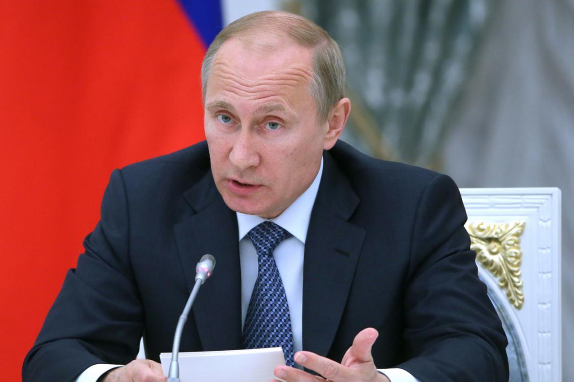 Odložte referendum, vyzval separatisty Putin