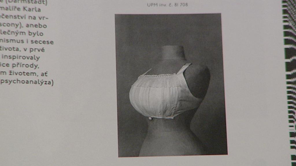 Jedna z prvních podprsenek