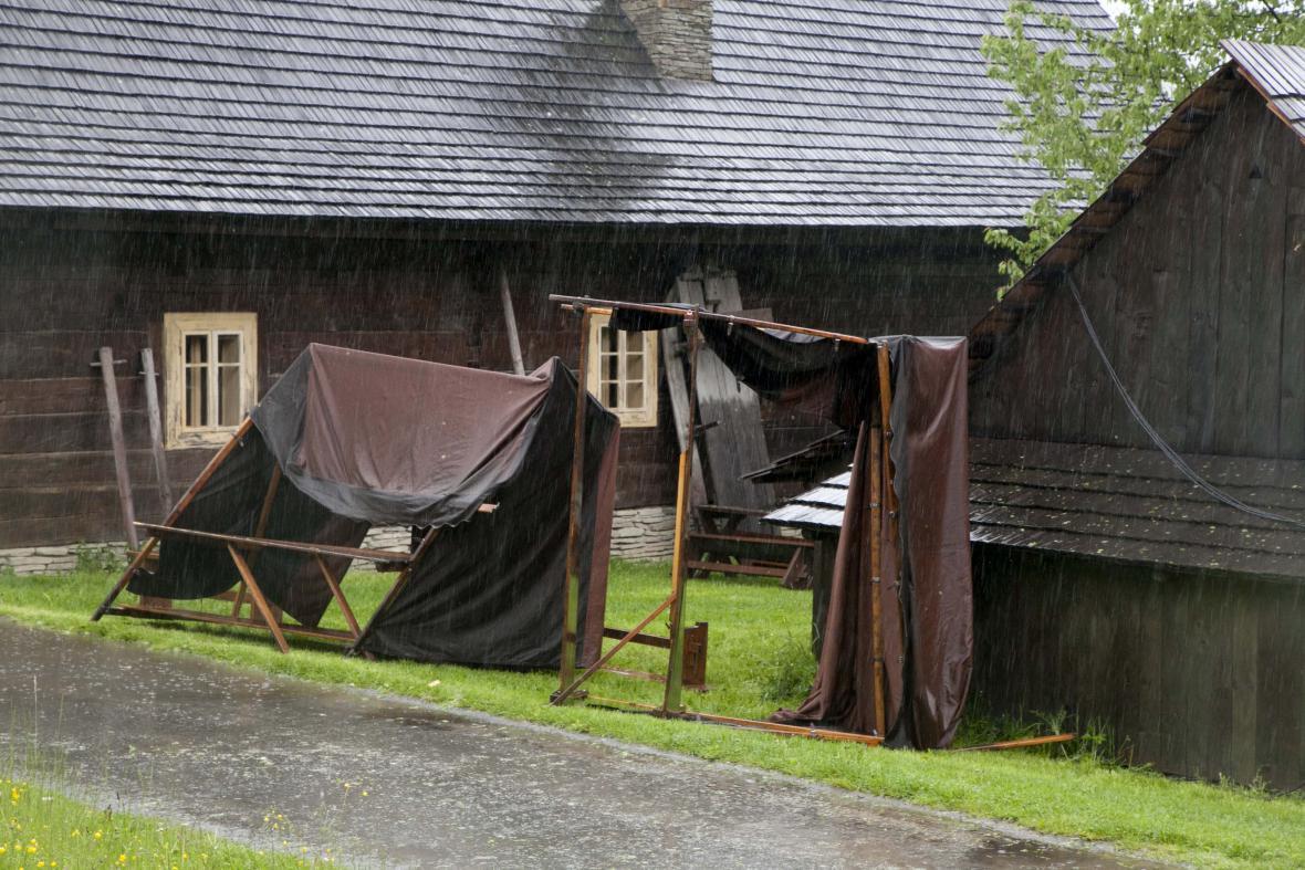 Valašské muzeum v Rožnově je kvůli počasí zavřené