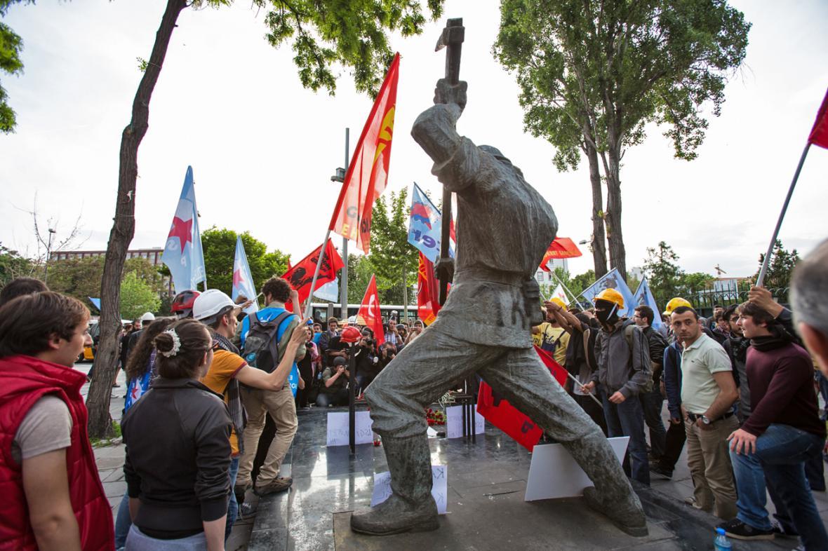 Demonstrace za oběti důlního neštěstí v Ankaře
