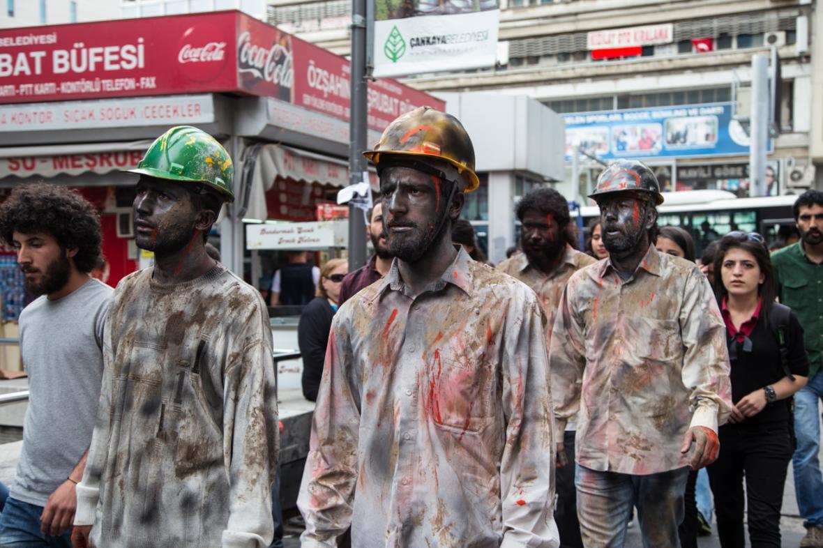 Turci demonstrují za oběti důlního neštěstí