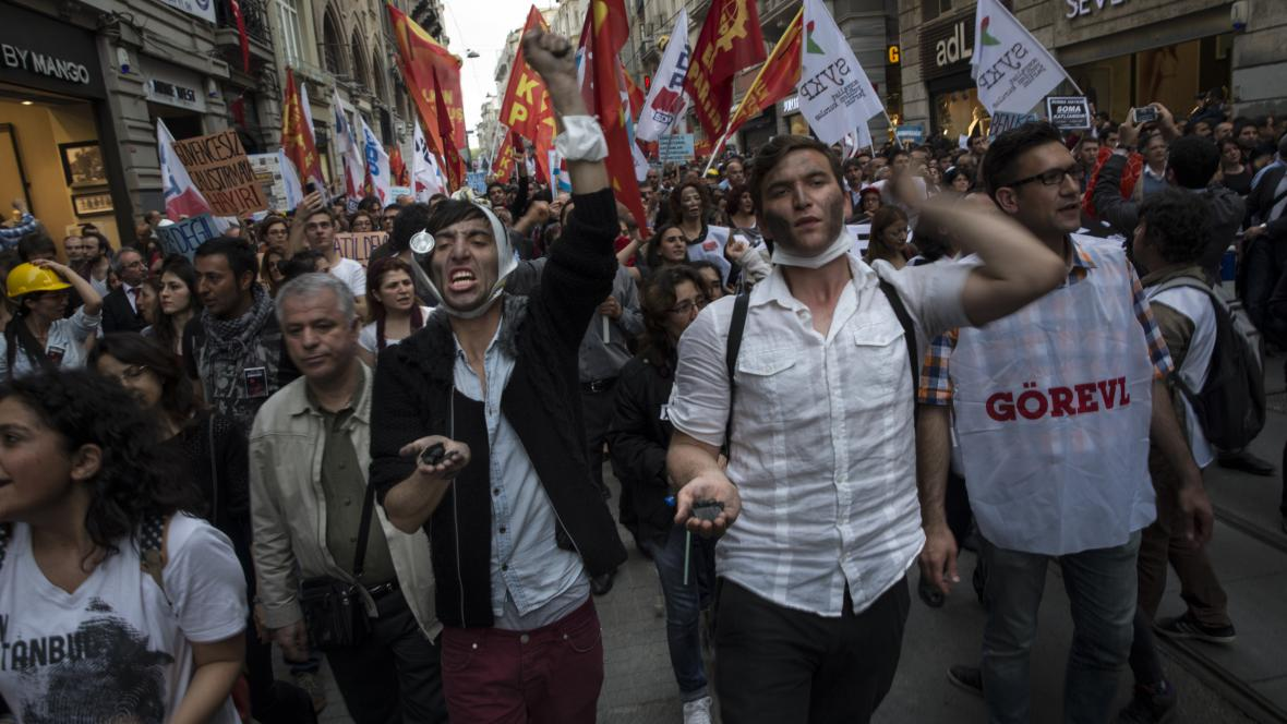 Po důlním neštěstí vyšly do ulic tisíce Turků
