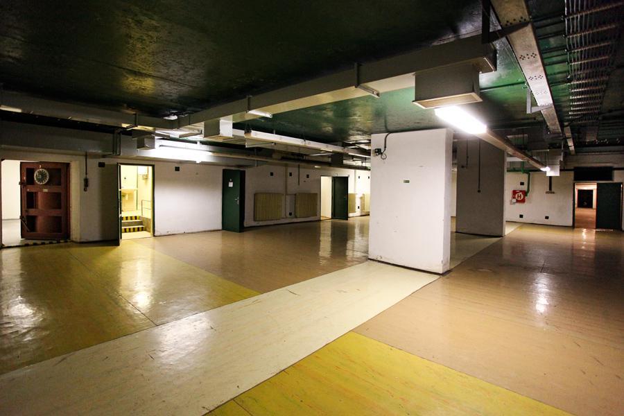 Podzemní kryt pod MŠ Generála Janouška na Černém Mostě