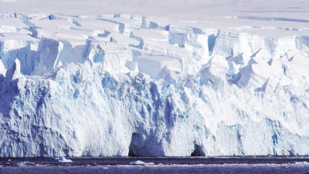 Ledovec na ostrově Greenwich na Antarktidě