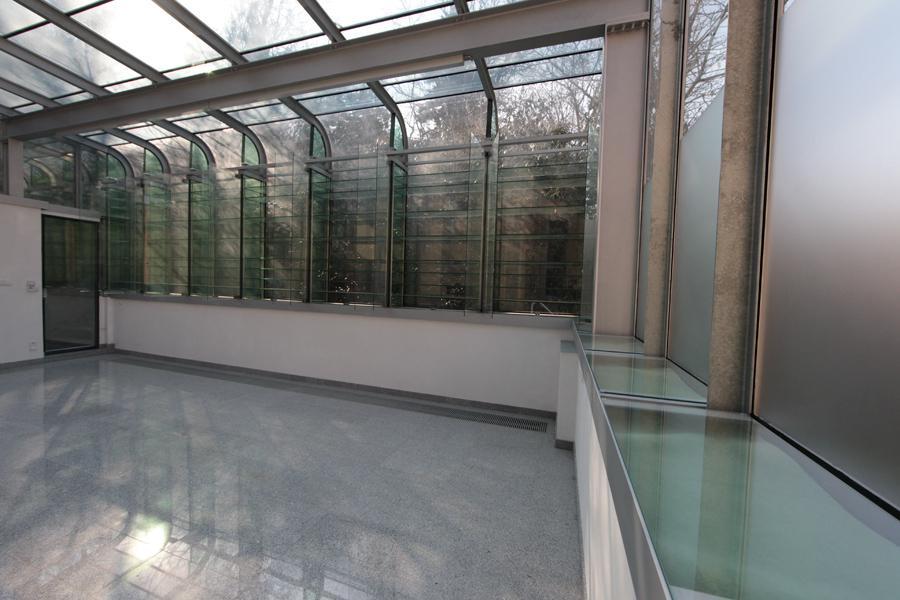 Přístavba zimní zahrady k pražské vile od architekta K. Roškota