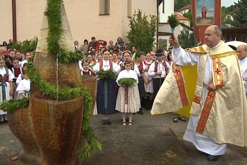 Otvírání pramenů v Luhačovicích