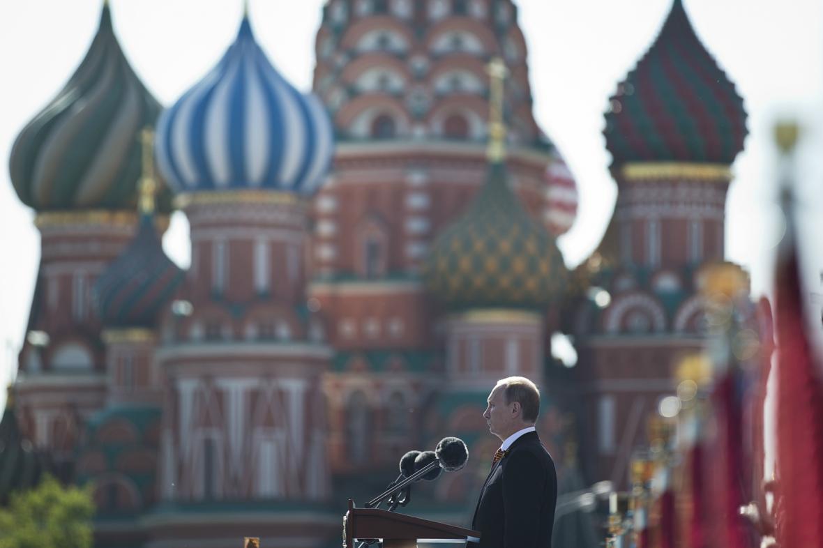 Vladimir Putin při oslavě výročí 2. světové války