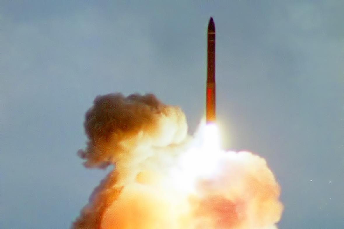 Start ruské mezikontinentální balistické rakety Topol-M