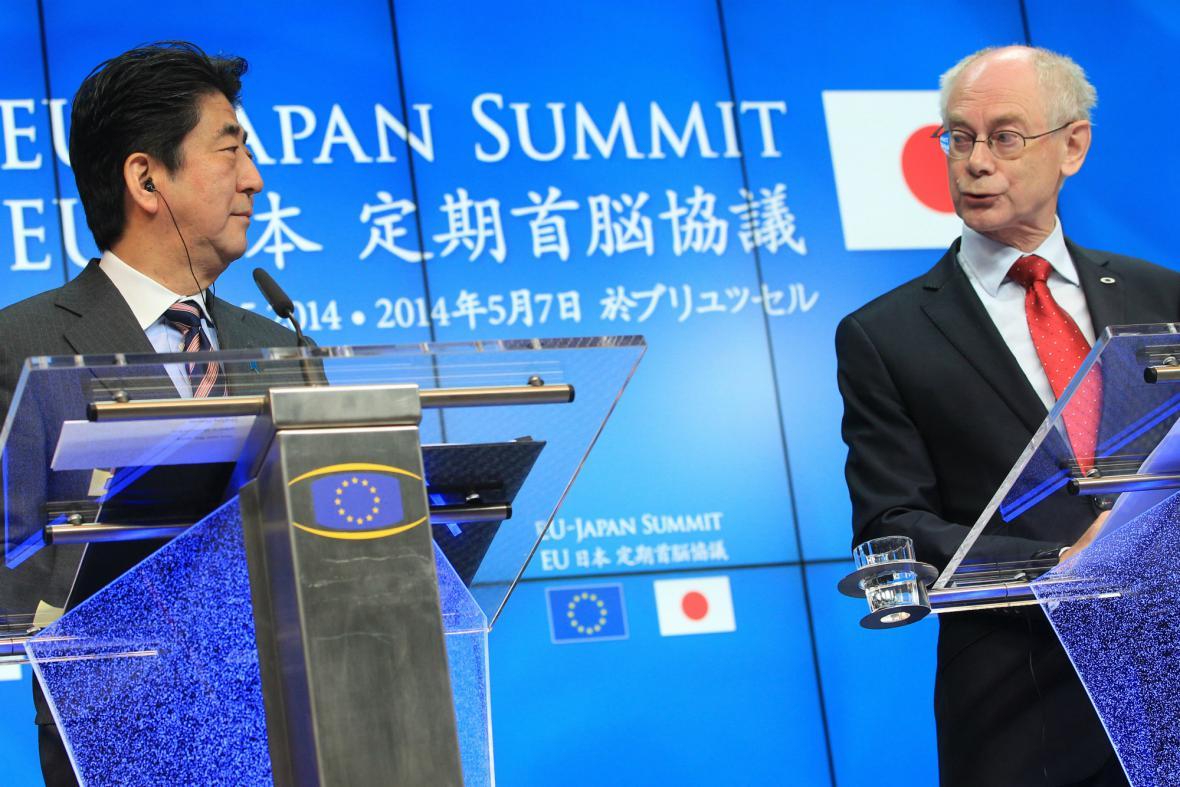 Šinzó Abe s Hermanem Van Rompuyem
