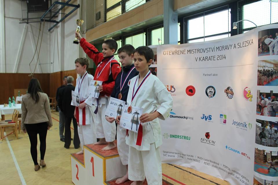 Ze soutěže v karate v Jeseníku