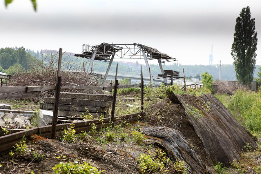 Nedokončená stavba podzemního krytu na Palmovce