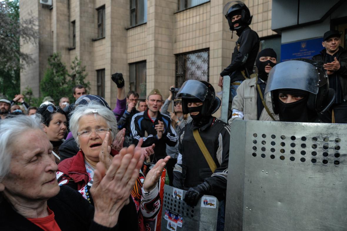 Ženy v Doněcku vyjadřují podporu proruským ozbrojencům