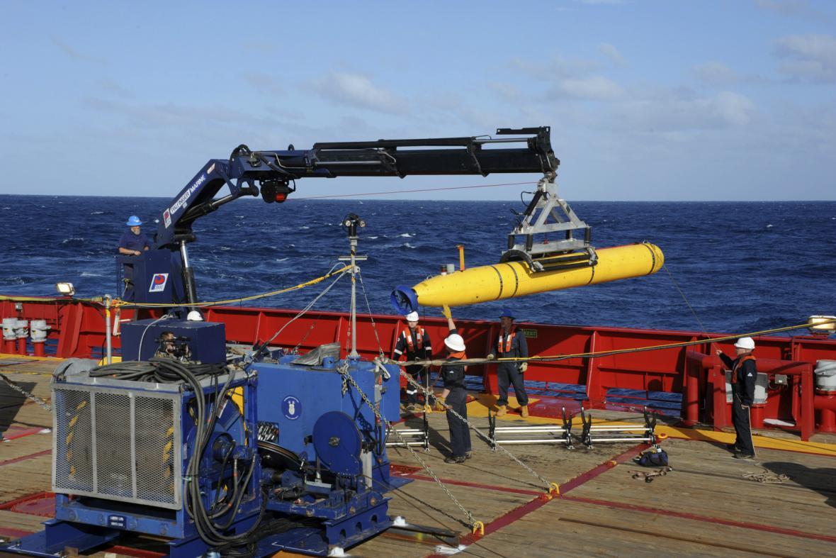 Robotická ponorka Bluefin-21