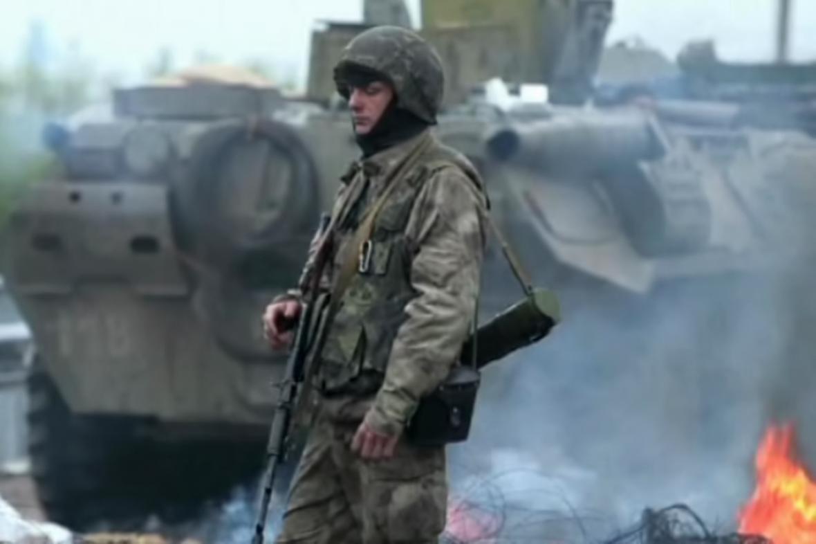 Ukrajinští vojáci v ulicích Kramatorska