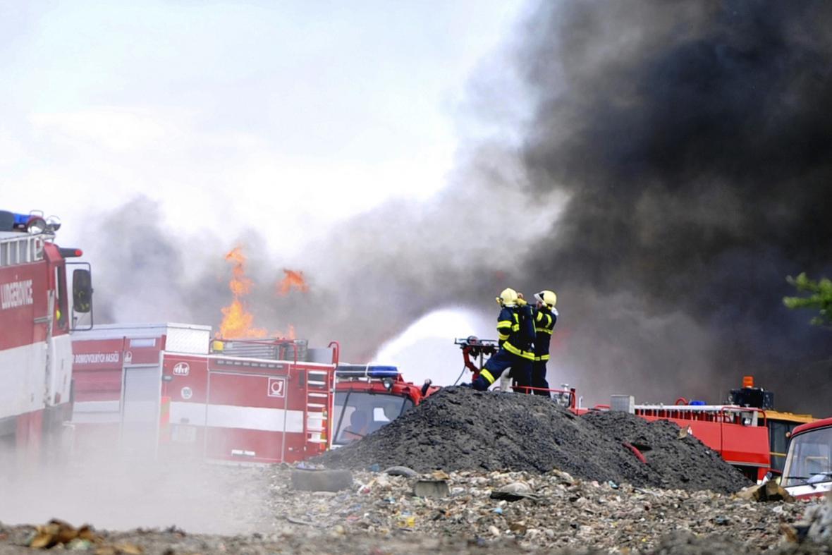 Požár skládky v Ostravě-Hrušově