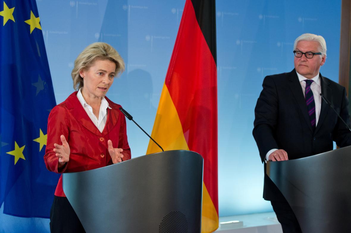 Ursula von der Leyenová a Frank-Walter Steinmeier