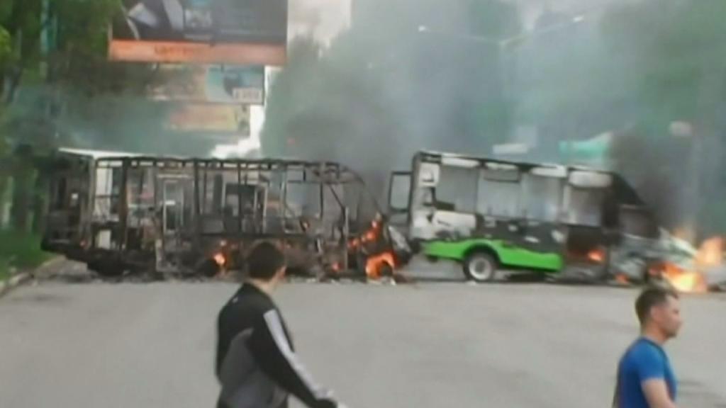 Hořící barikády v Kramatorsku