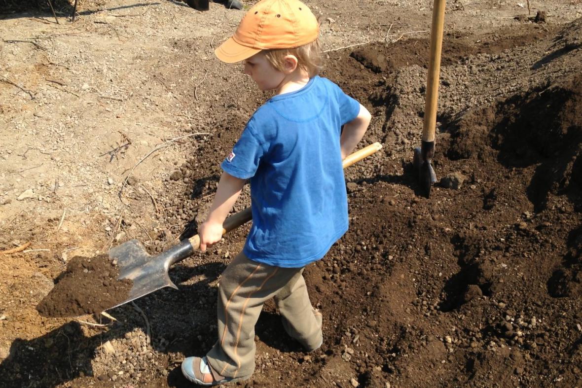 Práce na zahradě