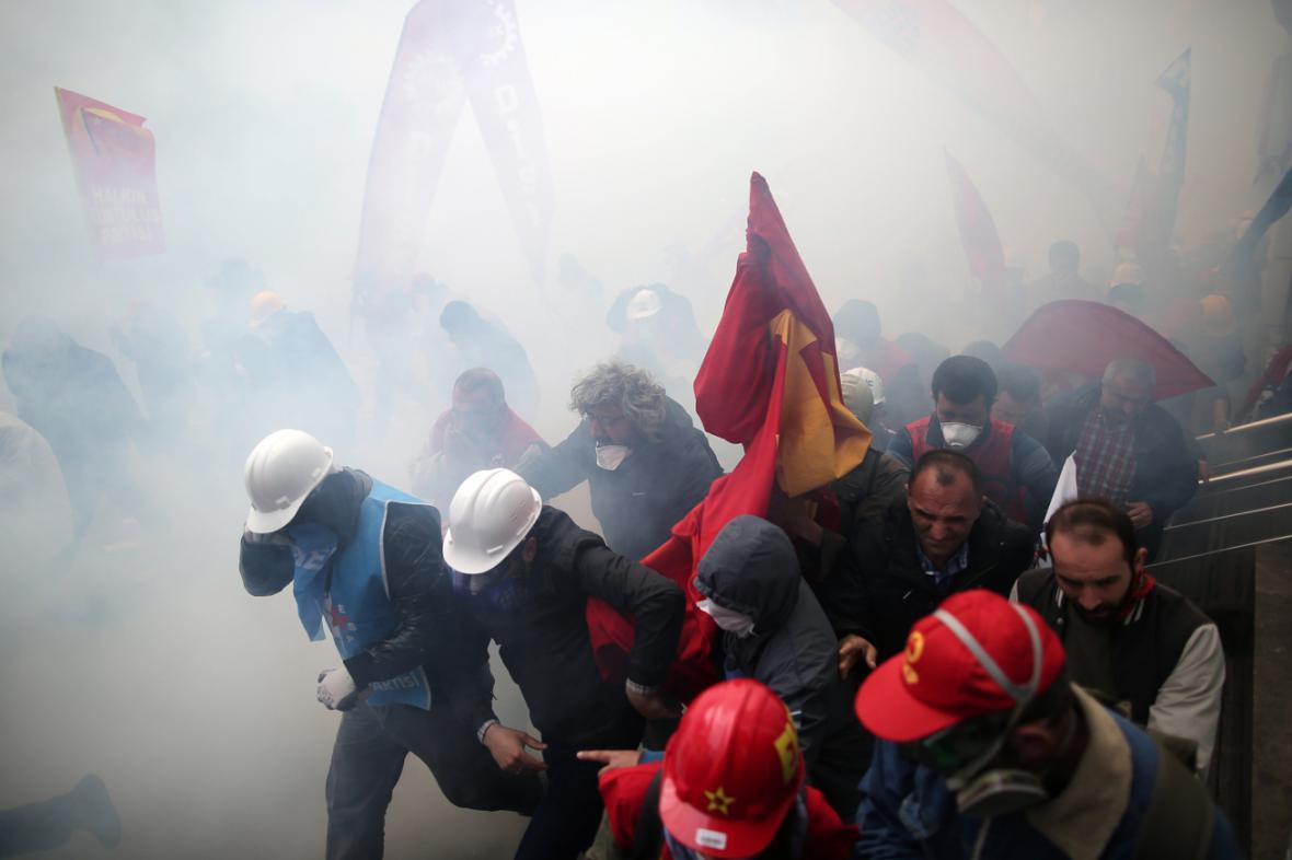 Prvomájovou demonstraci v Istanbulu rozehnala policie
