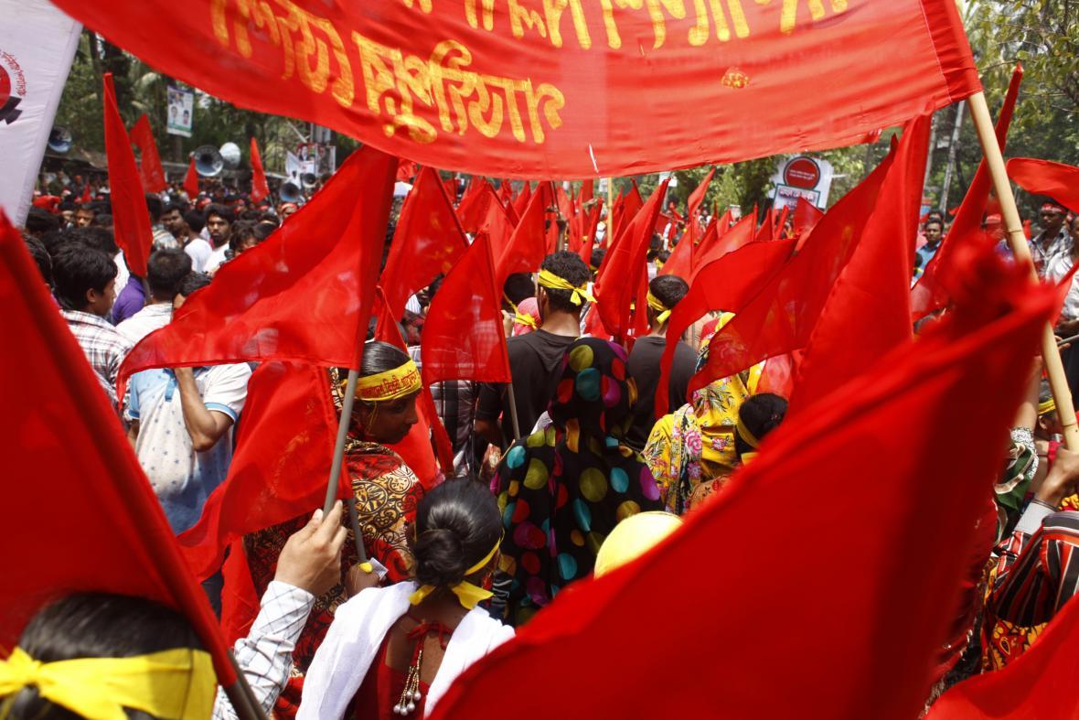 Prvomájový průvod v bangladéšské Dháce