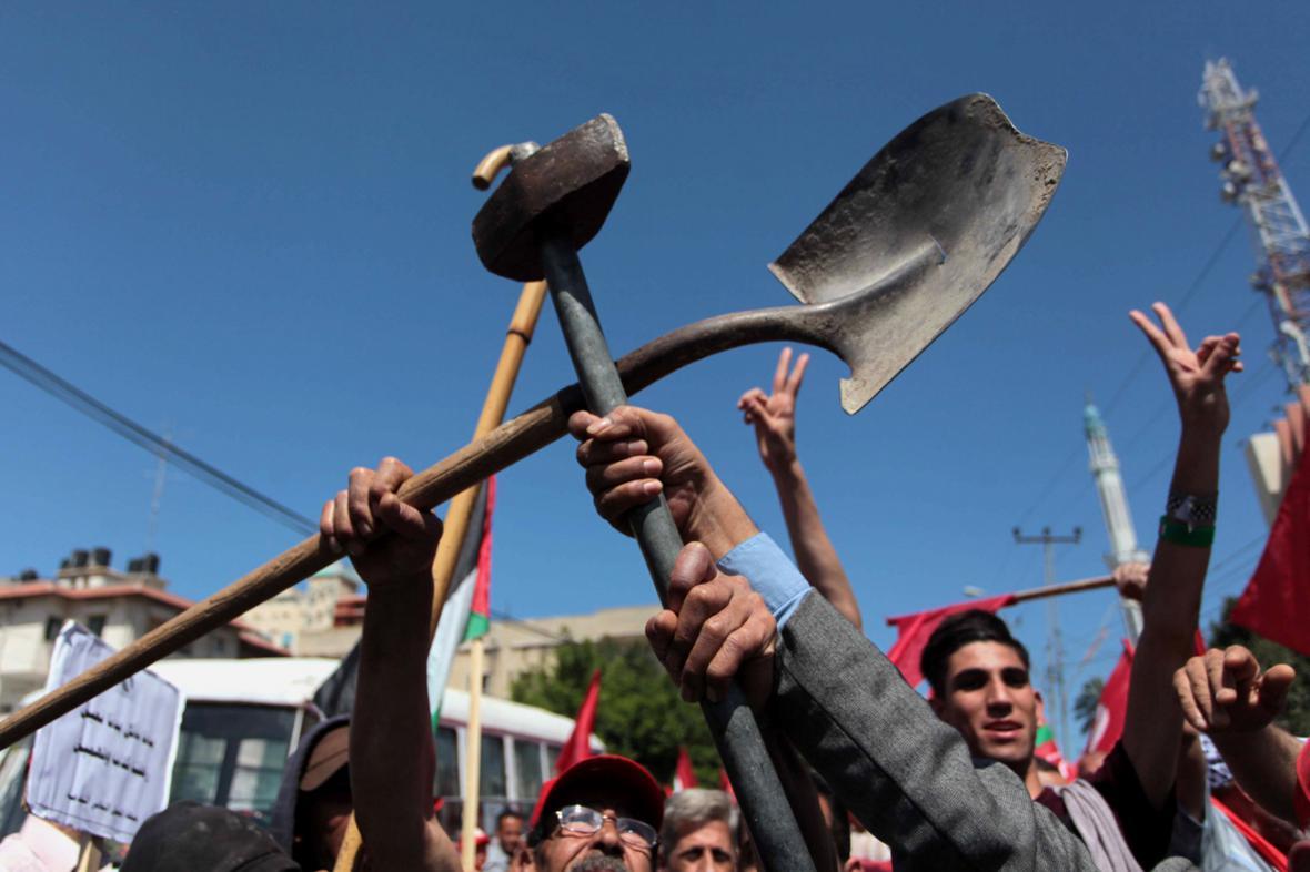 Palestinci v Gaze na 1. máje demonstrovali proti nezaměstnanosti